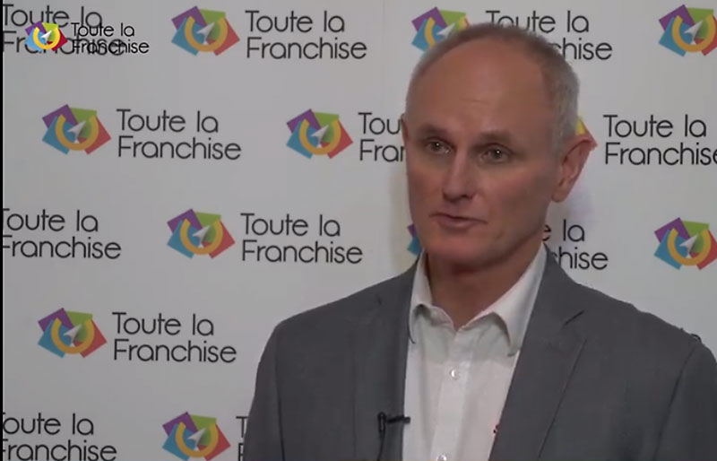 Interview Olivier Fossat-La-communication-visuelle,-un-métier-aux-aspects-variés-Franchise-de-signaletique2